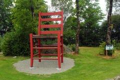世界` s最大的椅子在耶尔默兰,挪威 免版税库存照片
