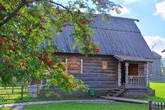 19世纪一点农村房子在木建筑学博物馆在苏兹达尔,俄罗斯 免版税库存图片