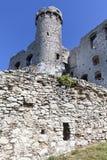 14世纪中世纪城堡, Ogrodzieniec城堡,老鹰乐队的足迹废墟筑巢, Podzamcze,波兰 免版税图库摄影