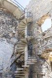 14世纪中世纪城堡, Ogrodzieniec城堡,老鹰乐队的足迹废墟筑巢, Podzamcze,波兰 免版税库存照片