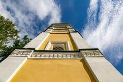 18世纪克里姆林宫钟楼在Uglich,俄罗斯 库存照片