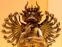 19世纪古铜色西藏雕象在宗教的历史博物馆  库存图片