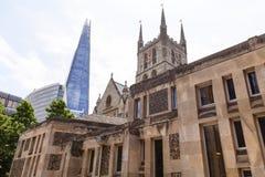 12世纪哥特式样式Southwark大教堂,伦敦,英国 库存照片