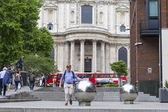18世纪圣保罗大教堂,街道视图,伦敦,团结了Kingnited王国 库存图片