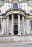 18世纪圣保罗大教堂,装饰专栏,伦敦,英国 免版税库存照片