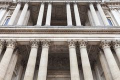 18世纪圣保罗大教堂,装饰专栏,伦敦,英国 免版税库存图片