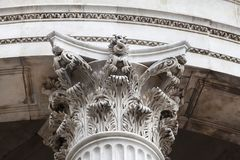 18世纪圣保罗大教堂,装饰的资本,伦敦,英国 免版税库存照片
