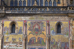 14世纪圣Vitus大教堂,门面,马赛克,前评断,布拉格,捷克 库存图片