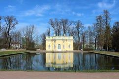 18世纪夏天亭子  俄罗斯, StPetersburg, Tsarskoye Selo 免版税库存图片