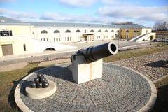 19世纪大炮在陶格夫匹尔斯堡垒 图库摄影