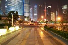 世纪大道的街道场面在上海,中国。 免版税图库摄影
