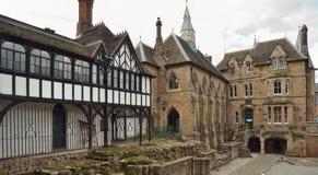 17世纪房子& 19世纪蓝色外套学校 图库摄影