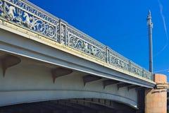 19世纪横跨涅瓦河的通告(Blagoveshchensky)桥梁间距在圣彼得堡,俄罗斯 免版税库存图片