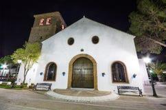 16世纪白色教会Inmaculada康塞普西翁角在米哈斯,马拉加,西班牙 免版税图库摄影