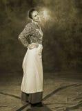 19世纪的一名年轻俄国妇女的画象 免版税库存图片