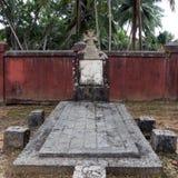 19世纪的一座老被放弃的公墓在罗斯岛的 免版税库存照片