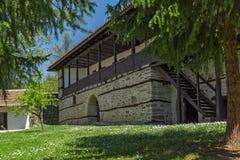 19世纪的典型的大厦在Temski修道院圣乔治,皮罗特,共和国里塞尔维亚 库存图片
