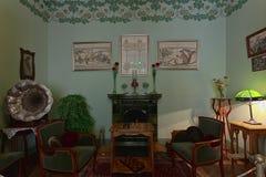 19世纪的客厅 免版税图库摄影