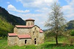 10世纪的寺庙在Arkhyz 库存图片