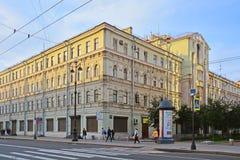 19世纪的有益的房子在涅夫斯基大道的在圣彼得堡,俄罗斯 库存图片