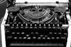 19世纪的老机械打字机 免版税图库摄影
