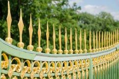 18世纪的金属篱芭在波茨坦 库存照片