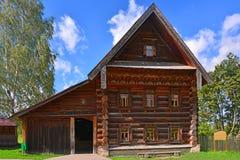 19世纪的兴旺的农民议院在木建筑学博物馆在苏兹达尔,俄罗斯 免版税图库摄影