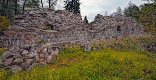 18世纪石Rosen本营的废墟洛维萨的, Finlan 免版税图库摄影