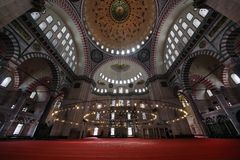 16世纪苏莱曼尼耶清真寺,最大的清真寺在伊斯坦布尔 免版税库存照片