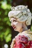 18世纪衣服的少妇 免版税库存图片
