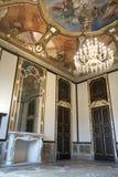 18世纪门和壁炉 免版税库存照片