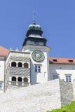 14世纪防御城堡在克拉科夫附近的Pieskowa Skala,波兰 免版税库存图片
