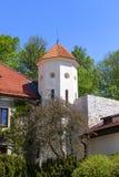 14世纪防御城堡Pieskowa Skala,城堡附属建筑,在克拉科夫附近,波兰 免版税库存照片