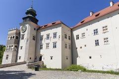 14世纪防御城堡Pieskowa Skala,被加强的入口,在克拉科夫附近,波兰 库存图片