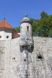14世纪防御城堡Pieskowa Skala,防御墙壁,在克拉科夫附近,波兰 免版税库存照片