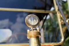 20世纪10年代经典美国汽车水位标尺 免版税图库摄影