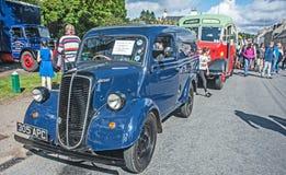 从20世纪50年代的福特搬运车 免版税库存图片