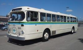 20世纪50年代葡萄酒公共汽车 免版税库存照片
