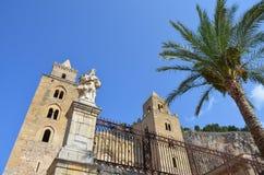 13世纪Cefalu大教堂在Cefalu,西西里岛 免版税库存照片