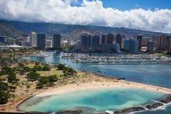 丙氨酸莫阿尼亚威基基檀香山港口奥阿胡岛夏威夷美好的鸟瞰图  库存图片