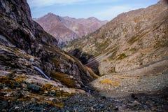 丙氨酸Kol湖区域-柯尔克孜自然 免版税库存照片