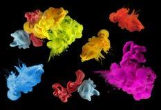 丙烯酸酯的颜色在水中 抽象背景 免版税图库摄影