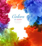 丙烯酸酯的颜色在水中 抽象背景 免版税库存照片