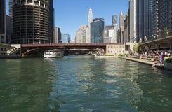 业余时间在街市的芝加哥 免版税图库摄影