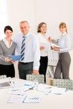 业务会议人报告回顾销售额 免版税库存图片