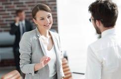 业务会议有商务伙伴的女商人 库存照片