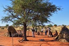 丛林居民村庄,喀拉哈里沙漠,纳米比亚 免版税库存图片