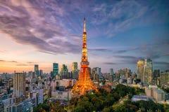 东京与东京塔的市视图 库存照片
