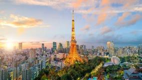 东京与东京塔的市视图 图库摄影
