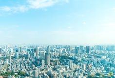 东京与东京铁塔的市地平线 库存图片